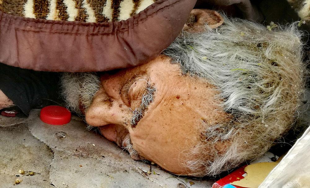 http://www.pedroolalla.com/images/Un-obituario-adelantado.jpg